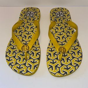 Tory Burch Thong Sandals Yellow blue gold size 7/8